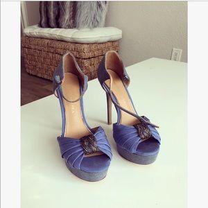 Badgley Mischka Italian Blue Satin heels sz: 6